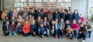Les CM1-CM2 qui ont participé au challenge et qui ont  vendu à eux seuls 1900 KG d'agrumes